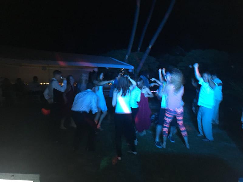 wedding-dj-honolulu-dancing